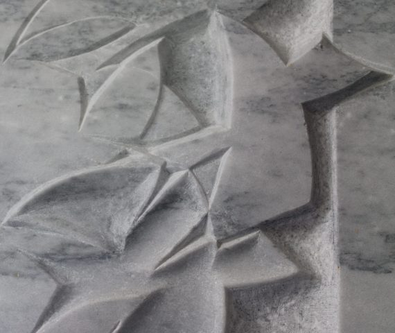 Carrara Marmor, Tauben im Flug
